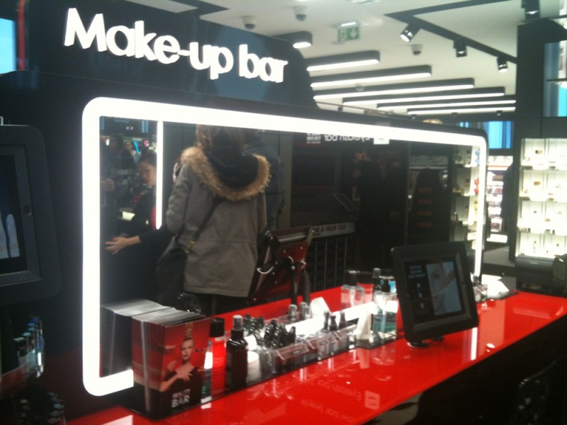 make up bar sephora connecté