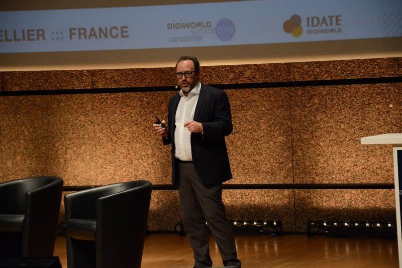 Jimmy Wales lors de Digiworld Summit