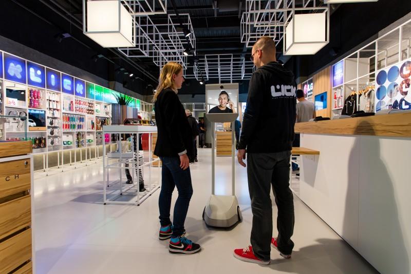 vendeur interactif dans boutique LICK
