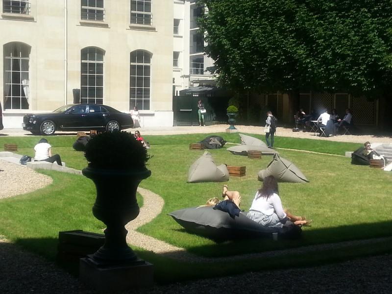 Dans les jardins du Salon du Luxe