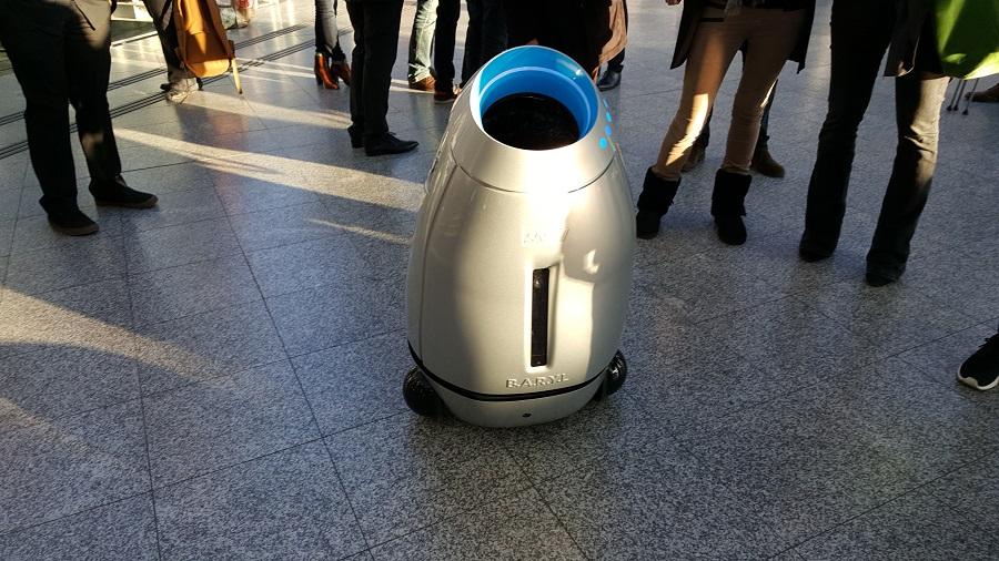 ombre robot poubelle