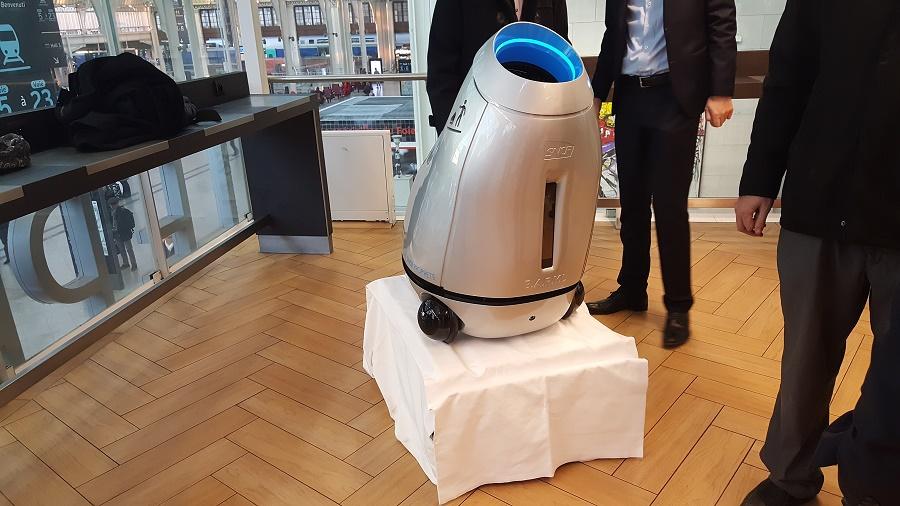 robot poubelle socle