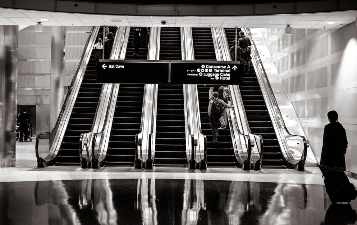 aéroport escalator