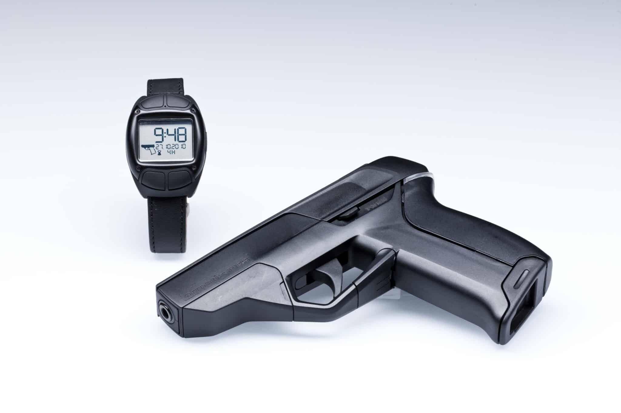 pistolet intelligent hack iot armatix