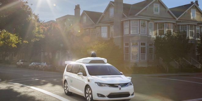 waymo commande chrysler pacifica