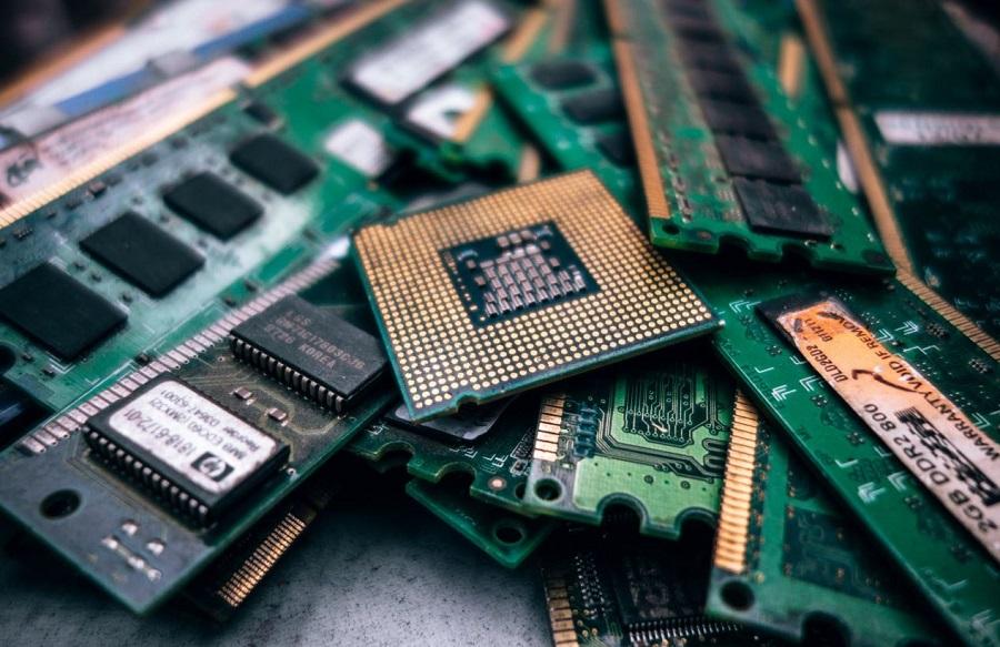 Marcelo Claure, le COO de Softbank a déclaré que le billion d'objets connectés installés en 2025 généreront 11 billions de dollars.