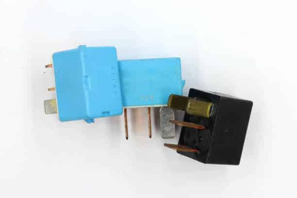 Relais composant electronique