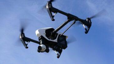 Drone à quatre élice