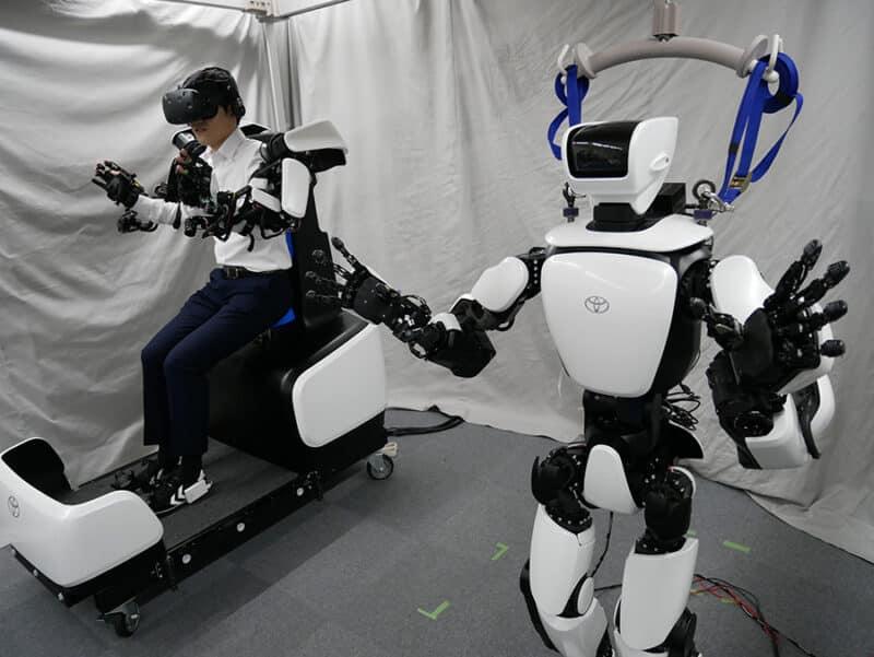 robot toyota