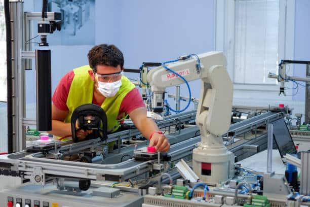 41 % des entreprises interrogées ont désormais déployé un projet lié à l'Iot industriel au cours des 12 derniers mois. Découvrez!